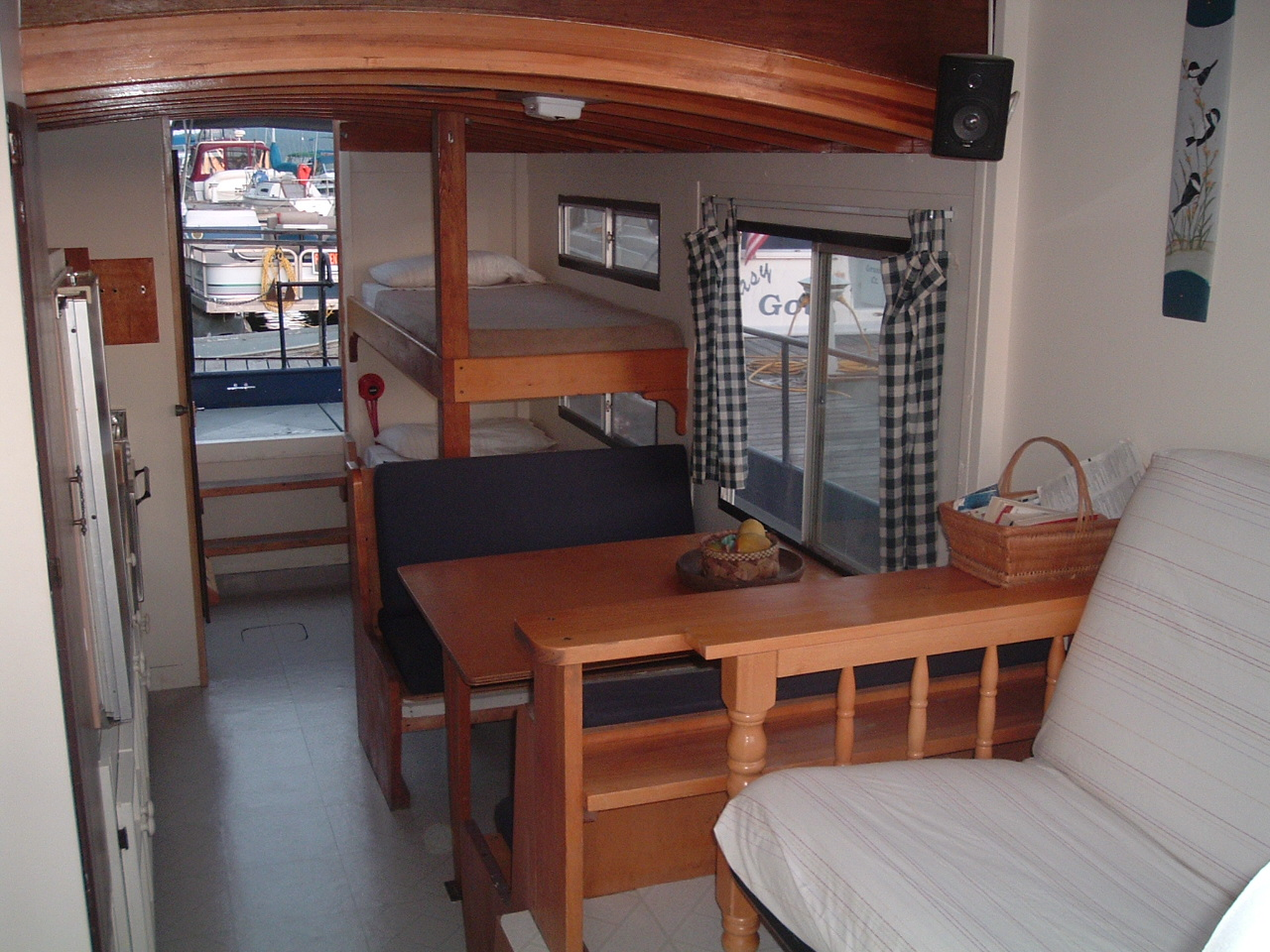 Champlain Houseboat Charters And Rentals For Lake