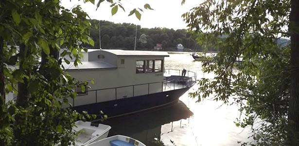 Champlain Houseboat Charters
